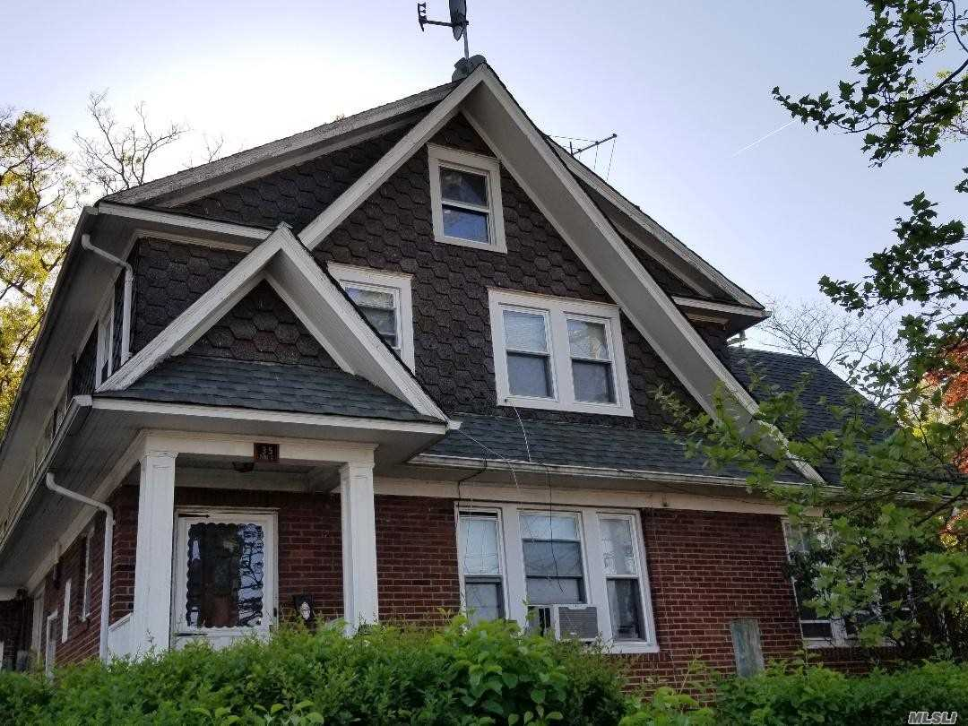 35  Pierce St New Rochelle NY 10801